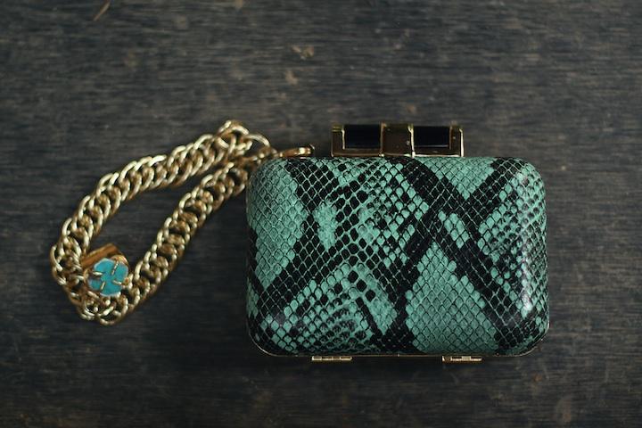 mint-snake-clutch