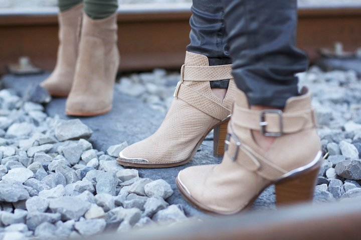neutral-colored-boots