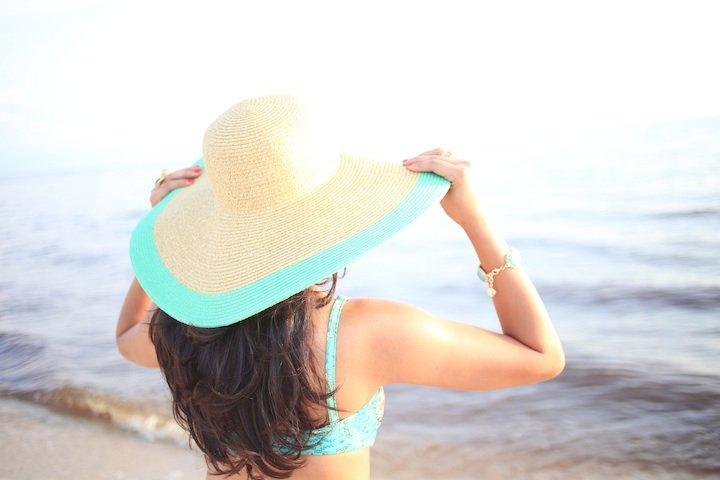 floppy-beach-hat