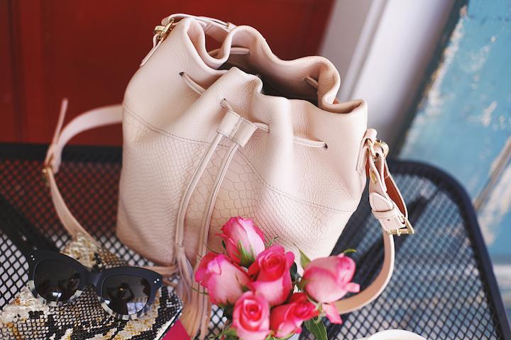 bucket-bag