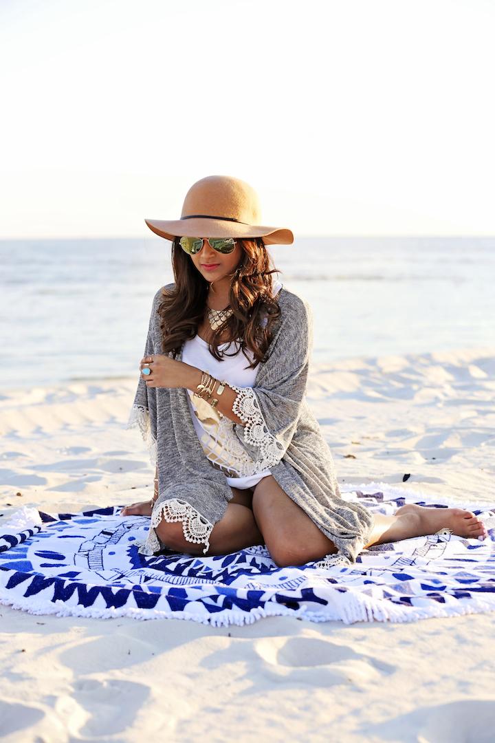 beach-people-round-towel