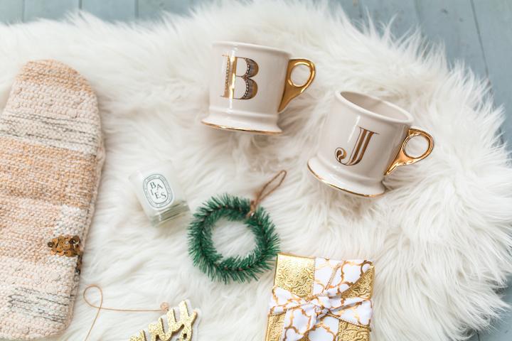gold-initial-mugs
