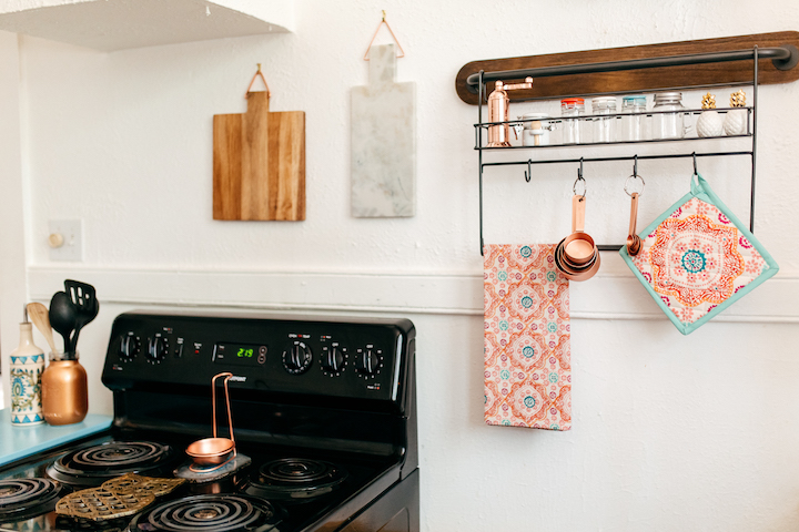how-to-decorate-a-small-kitchen