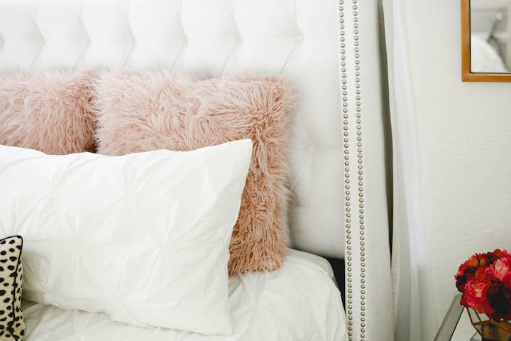 blush-faux-fur-pillow