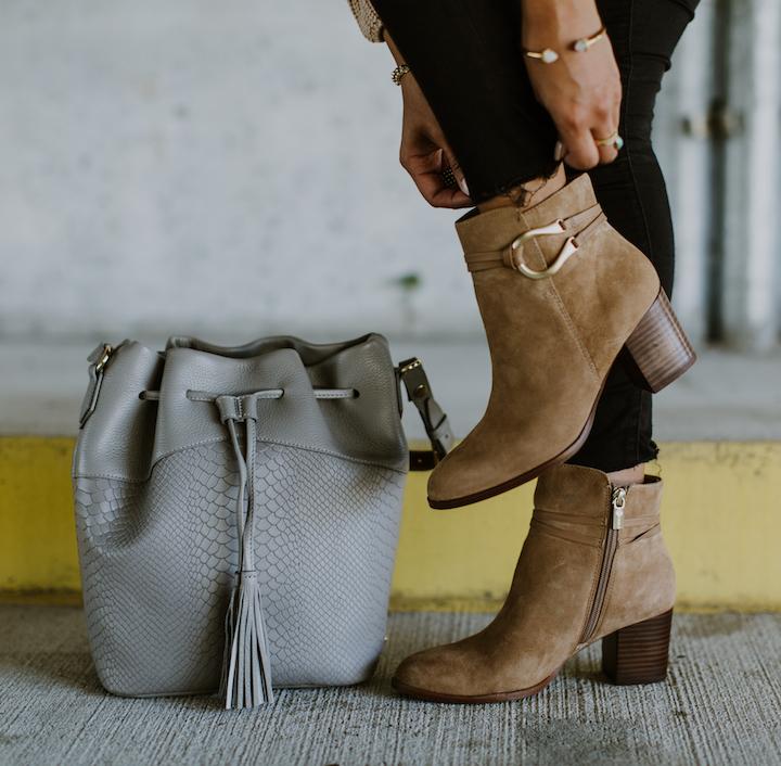 isola-booties