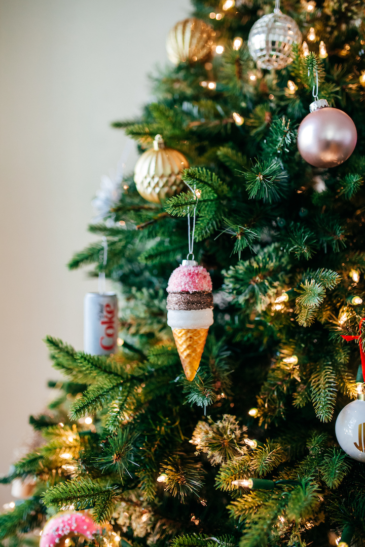 ice-cream-cone-ornament