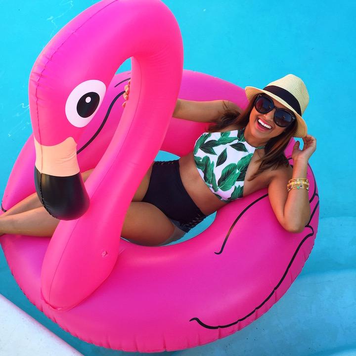 pink-flamingo-pool-float