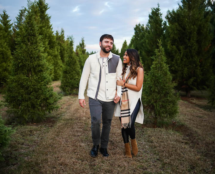 tree-farm-couples-photos