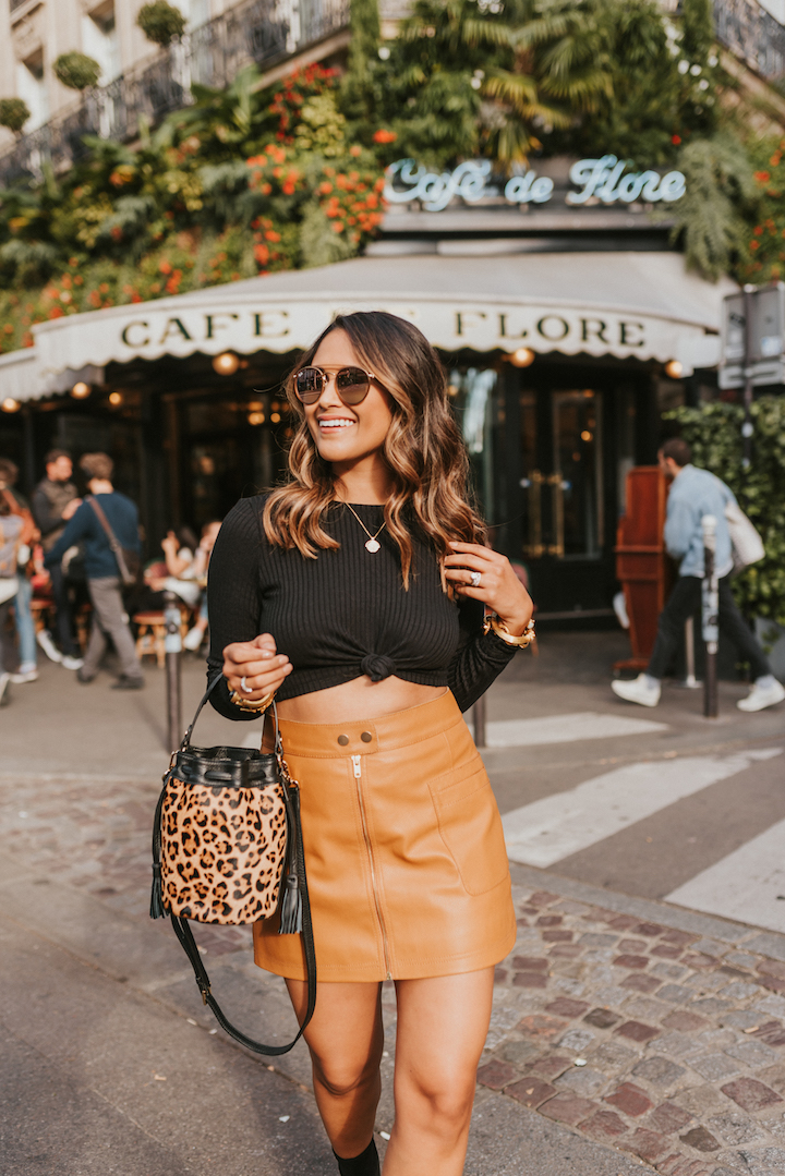 a92a1c70f807 Scroll through this post to see how I styled my mini bucket bag in Paris!